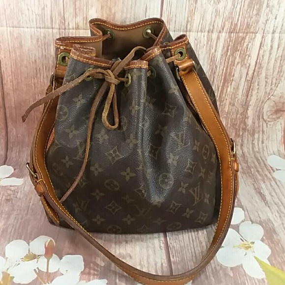 11ca1d44b8 Louis Vuitton Handbags - Authentic Louis Vuitton Monogram Noe String Bag